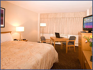 1 King Executive at Woodlands Inn & Suites, Fort Nelson Hotel