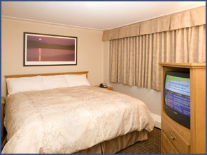 Executive King _Room at Woodlands Inn & Suites, Fort Nelson BC